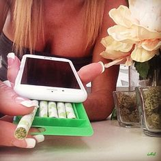 Stash up to 5 pre rolled joints or blunts from your iPhone with the iHit!!!! Get for now @ theiHit.com #stoner #weed #blunt #joint #phonecase