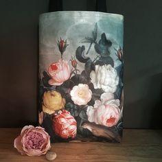 Bags, Painting, Swallows, Diy, Handbags, Taschen, Painting Art, Paintings, Purse