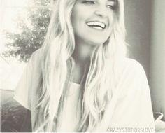 She's so pretty, I love her hair like this!