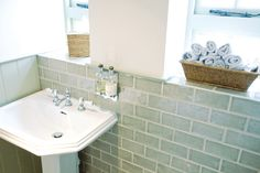 Exquisite English Tiles From Marlborough Tiles  http://www.periodideas.com/exquisite-english-tiles-marlborough-tiles