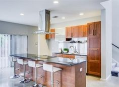 2211 N Fitzhugh Ave, Dallas   Kitchen