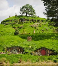 An enchanting journey 889x1024 Filmmaking in Middle earth