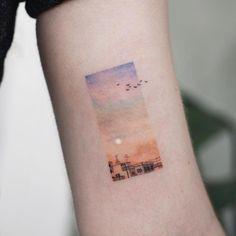 10 Minimalist Tattoo Designs For Your First Tattoo - Spat Starctic Mini Tattoos, Body Art Tattoos, Small Tattoos, Tatoos, Tatuajes Tattoos, Uv Ink Tattoos, Random Tattoos, Paisley Tattoos, Tattoos Geometric