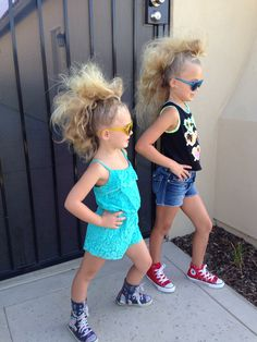 New party crazy fun girls 22 Ideas Crazy Hair Day Girls, Crazy Hair For Kids, Crazy Hair Day At School, Days For Girls, Crazy Hair Days, School Hair, Little Girl Hairstyles, Cool Hairstyles, Natural Hairstyles
