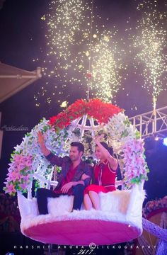 Badri and his dhulania. Indian Celebrities, Bollywood Celebrities, Bollywood Actress, Bollywood Couples, Bollywood Fashion, Alia Bhatt Varun Dhawan, India Actor, Cute Couples Photography, Alia Bhatt Cute