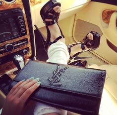 YSL black clutch... Hubby, this is what I want!!!