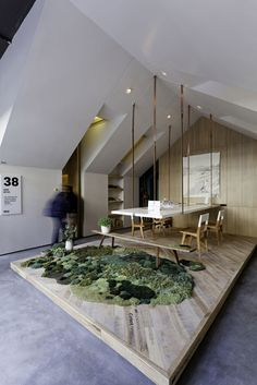 LOVE the platform + suspended table, yellow skylights, cool chairs and my moss obsession dream come true! Interior Architecture, Interior Design, Arch Interior, Interior Ideas, Country Modern Home, Office Ceiling, Cedar Homes, Commercial Design, Dinning Table
