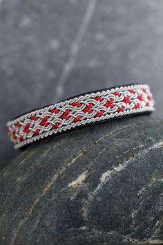 Linda bracelet: red