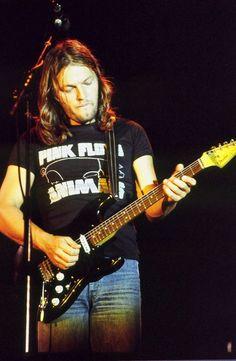 Dave Gilmour, Pink Floyd - 1978 - Shared by The Lewis Hamilton Band - https://www.facebook.com/lewishamiltonband/app_2405167945  -  www.lewishamiltonmusic.com