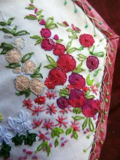 http://www.yorkette45.canalblog.com : Les cousettes brodées de Yorkette HX 40 JARDIN ANGLAIS (4)
