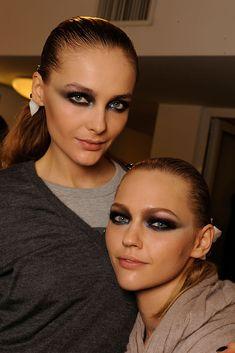 Snejana Onopka and Sasha Pivovarova at Versace Fall 2009 RTW
