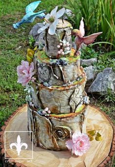 Wedding cake by Crin sugarart - http://cakesdecor.com/cakes/291314-wedding-cake