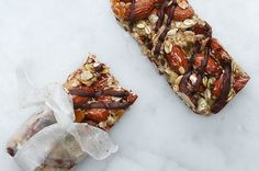 Get An Energy Boost With These Dark Chocolate Apricot Breakfast Bars