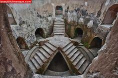 taman-sari-underground-mosque-in-yogyakarta-indonesia-06.jpg (800×533)