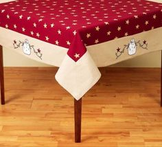"""54"""" x 54"""" Snowman With Berries Tablecloth"""