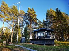 Back to black at Sandön Back To Black, Beautiful Day, Sweden, Northern Lights, Goth, Cottage, Sky, House Styles, Summer