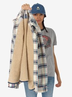 Women's Burton Grace Sherpa Flannel shown in Canvas Gradient Plaid Flannel Fashion, Flannel Outfits, Fall Outfits, Flannel Jacket, Flannel Style, Teen Fashion, Fashion Outfits, Casual Looks, Burton Snowboards