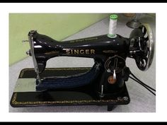 Máquina Singer 15C costurando 8 camadas de jeans - YouTube Singer Tradition, Quilting, Patch Quilt, Sewing Hacks, Diy And Crafts, Youtube, Vintage, Motor, Ideas Para