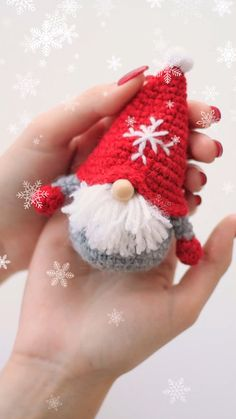 Small gnomes cm with mm crochet hook. The gnomes are the favorite christmas toys of all children. Gnomes create a festive mood and bring good luck. This toy is designed for childrens games and for home decor. Crochet Christmas Decorations, Crochet Christmas Ornaments, Christmas Crochet Patterns, Holiday Crochet, Christmas Gnome, Crochet Toys Patterns, Crochet Gifts, Cute Crochet, Stuffed Toys Patterns