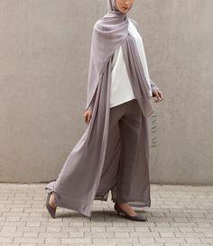 INAYAH | Encapsulate effortless vibes - Mid Grey Maxi #Oversized #Kimono + Grey Straight Leg #Trousers + Mid Grey Soft Crepe #Hijab - www.inayah.co