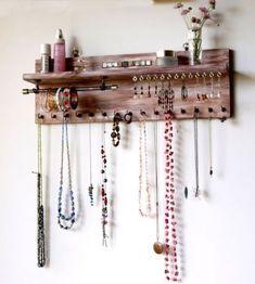 39 ideas diy jewelry hanger necklace display earring holders - - 39 ideas diy jewelry hanger necklace display earring holders Home 39 Ideen DIY Schmuck Kleiderbügel Halskette Display Ohrringhalter Diy Jewelry Hanger, Diy Jewelry Unique, Diy Jewelry To Sell, Jewelry Holder, Jewelry Rack, Jewelry Tree, Diy Necklace Holder, Lip Jewelry, Necklace Hanger