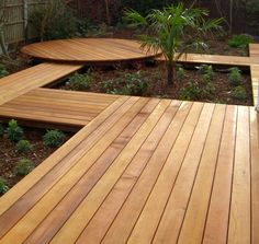Back garden decking ideas small garden inspiration, how to level ground, gr Easy Deck, Cool Deck, Small Garden Inspiration, Garden Ideas, Deck Planters, Deck Pictures, Small Space Gardening, Deck Design, Landscape Design
