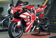 Honda CBR1000RR Fireblade Bike Photos, Review and Specification