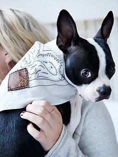 Trail Blazer Leather Patch Bandana | Hand engraved in Texas, this bandana will have your pup looking fit-to-be-tied. Featuring a leather patch with a fun and playful saying, and a classic-printed design.