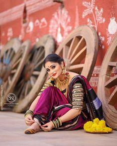 Maharashtrian Saree, Marathi Saree, Marathi Bride, Bridal Photography, Photography Poses, Nauvari Saree, Saree Poses, Saree Photoshoot, Blouse Neck Designs