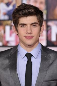 Carter Jenkins has grown up so nicely. He also continues to be Jewish we win