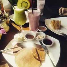 #meal #detox #cooking #breakfast #traveler's_coffee #smoozy #pancakes #sandwich