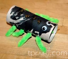 Spider Supply List:  1 toilet paper roll, paint, 4 pipe cleaners, glitter glue, google eyes        Paint your toilet paper roll and al...