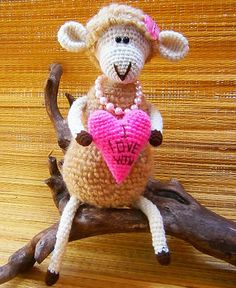 Fuente: http://www.ravelry.com/patterns/library/enamored-sheep-pdf-crochet-pattern-2