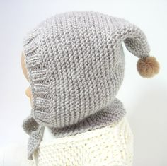 Bonnet béguin bébé beige « lutin » avec pompon tricoté en laine layette 3 à  6 7d19c9fbe69