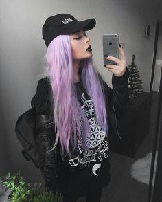 Hair Goals Pastel Purple Ideas For 2019 Pastel Purple Hair, Violet Hair Colors, Purple Wig, Gold Hair Colors, Hair Color Purple, Cool Hair Color, Purple Hair Tumblr, Punk Hair Color, Lila Outfits