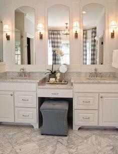 105 Fantastic Small Master Bathroom Design Ideas - Page 37 of 109 Master Bathroom Design, Master Bathroom Vanity, Bathrooms Remodel, Double Vanity Bathroom, Small Master Bathroom, Bathroom Design, Bathroom Renovations, Shabby Chic Bathroom, Bathroom Layout