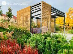 Altana ogrodowa z transparentnym zadaszeniem Blinds, Garden Design, Outdoor Decor, Garden Ideas, Gardens, Home Decor, Decoration Home, Room Decor, Shades Blinds