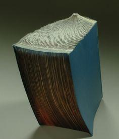 Guy Laramee y sus esculturas con libros «