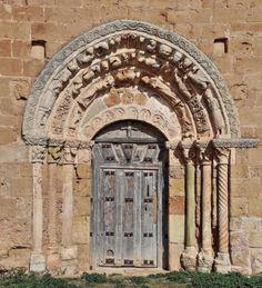 Soto de Bureba - Portada románica de la iglesia de San Andrés