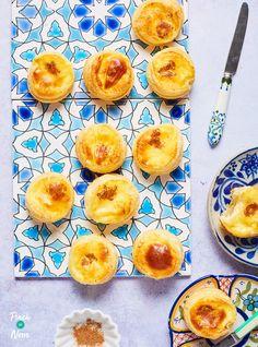 Portuguese Custard Tarts - Pinch Of Nom Portugese Custard Tarts, Portuguese Custard Tart Recipe, Portuguese Tarts, Tart Recipes, Chef Recipes, Cooking Recipes, Recipies, Slimming World Vegetarian Recipes, Slimming Recipes