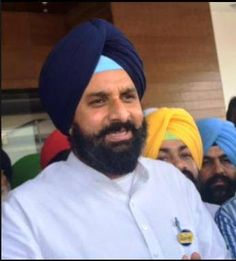 Majithia condemns lathi charge on journalists,directs Commissioner of Police to inquire into the matter and give report within two days:- Chandigarh - The Information and Public Relations Minister, Punjab, Mr. Bikram Singh Majithia has strongly condemned and regretted the lathi charge by the police on the journalists at Amritsar.  #punjabnews #punjab #news #government #akalidal