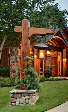 Love this for the front yard with and electrical outlet Amazing diy home landsca. - Love this for the front yard with and electrical outlet Amazing diy home landscaping ideas and designs that will add beauty to your home. Driveway Lighting, Backyard Lighting, Outdoor Lighting, Lighting Ideas, Pathway Lighting, Exterior Lighting, Driveway Landscaping, Landscaping Ideas, Florida Landscaping