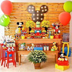 Turma do Mickey via @paulinhapalombofestas #turmadomickey #decoracaomickey…