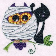 """This free embroidery design is a """"Mummy Owl"""".  Super cute for Halloween projects!"""