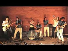 Man Down - Walk Off The Earth (Cover) I love this!