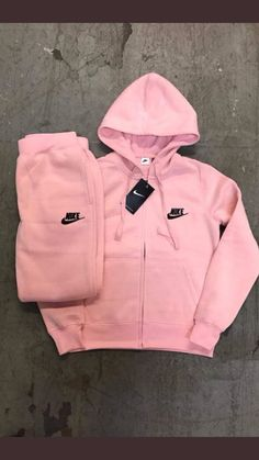Pepto Nike Tracksuit is part of Sporty outfits - Lazy Outfits, Sporty Outfits, Teen Fashion Outfits, Teenager Outfits, Dope Outfits, Swag Outfits, Trendy Outfits, Winter Outfits, Style Fashion