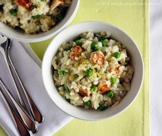 Chicken risotto - next time I need to remember to cook it with the measuring cup off! Risotto Dishes, Risotto Recipes, Pasta Recipes, Chicken Recipes, Chicken Risotto, Bellini Recipe, Vol Au Vent, Rice Pasta, Allergy Free Recipes