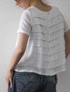 Sew pleats in fabric, then cut pattern piece(s). [Envelope Online Shop]Ellen