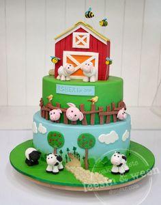 Penang Wedding Cakes by Leesin: Barn Cake Farm Yard Birthday Party, Farm Birthday Cakes, Farm Animal Birthday, Farm Party, First Birthday Parties, First Birthdays, 2nd Birthday, Fete Marie, Barnyard Cake