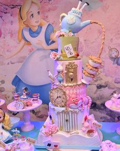 Trendy Cake Art Disney Alice In Wonderland Alice In Wonderland Tea Party Birthday, Alice In Wonderland Cakes, Wonderland Party, Winter Wonderland, Disney Desserts, Disney Cakes, Birthday Party Decorations, Birthday Parties, Disney Birthday